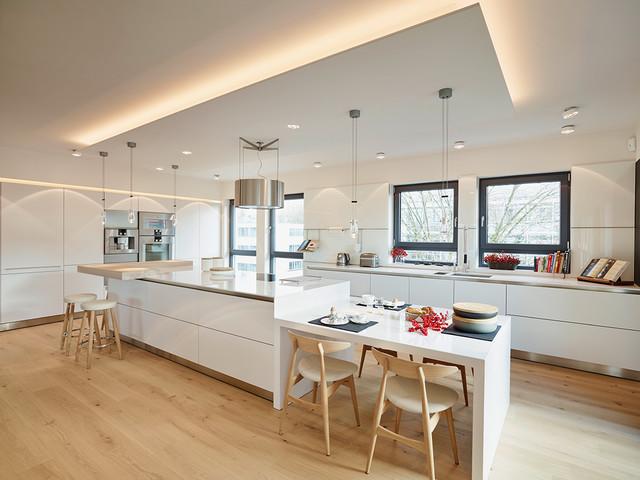 Penthouse k che insel modern k che other metro von for Cuisine moderne et chaleureuse