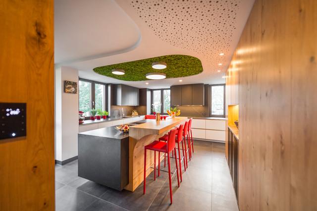 Projekt C1 | moderne Küche mit schwebender Kochinsel ...