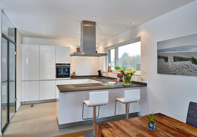 realisierte Küchenträume beim Endkunden - Contemporary - Kitchen ...