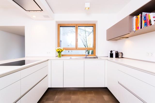 schön, schlicht und weiß (243) - Modern - Küche - Frankfurt ...