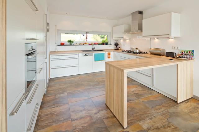 Fingerhaus küche  SCHÖNE AUSSICHT - frei geplantes Kundenhaus - Modern - Küche ...