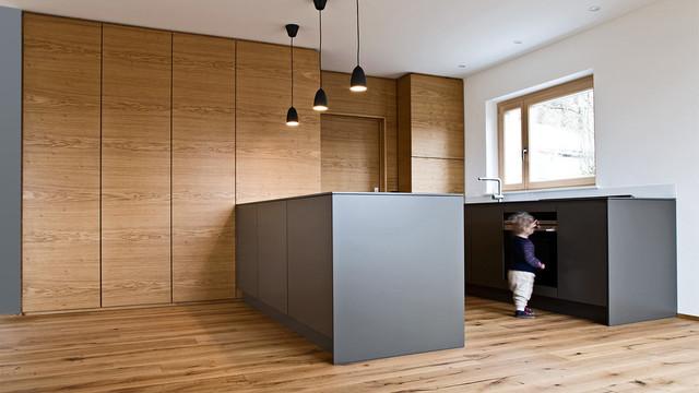 schreinerk che in wohnzimmer integriert modern k che m nchen von held schreinerei. Black Bedroom Furniture Sets. Home Design Ideas