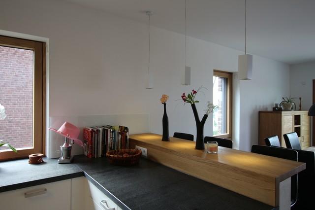 tresenbereich in eiche massiv modern k che sonstige von k chen villa. Black Bedroom Furniture Sets. Home Design Ideas