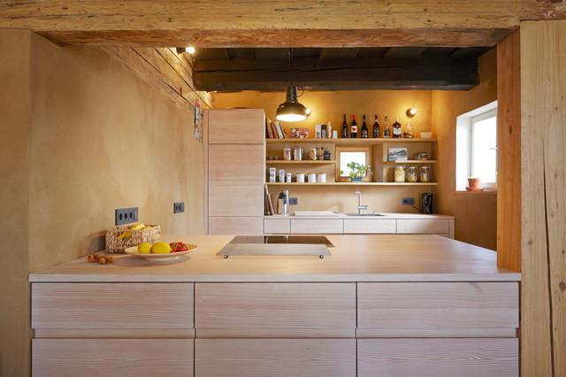 umbau eines denkmalgesch tzten bauernhofs mit douglasie. Black Bedroom Furniture Sets. Home Design Ideas