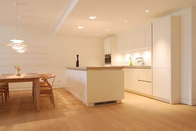 Villa Norderney in Zusammenarbeit mit der Raumfabrik Norderney modern-kueche