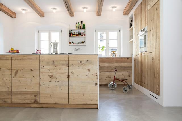 Urig Und Modern Neue Wohnkuche Aus Alten Dielen In Oberbayern