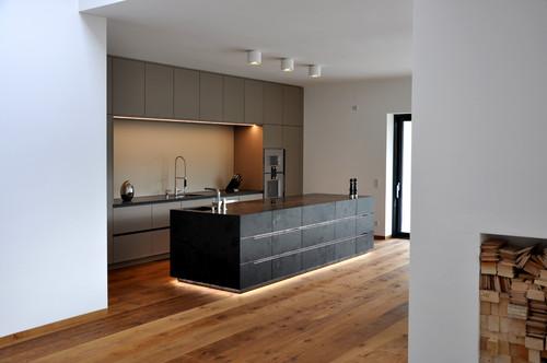 Küchenfronten erneuern: 7 Möglichkeiten alte Küchen aufzupeppen