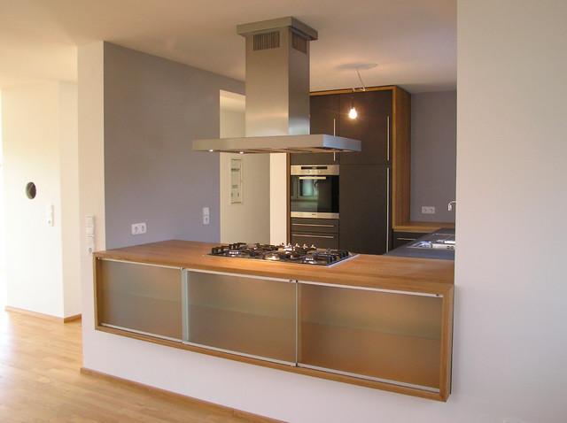 wanddurchbruch mit gro er wirkung modern k che stuttgart von schreinerei j rg dubbert. Black Bedroom Furniture Sets. Home Design Ideas