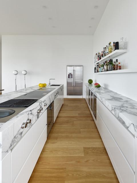 zweizeilige k che technolux k che home design ideen. Black Bedroom Furniture Sets. Home Design Ideas