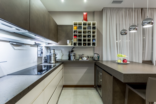 Example of a trendy kitchen design in Moscow