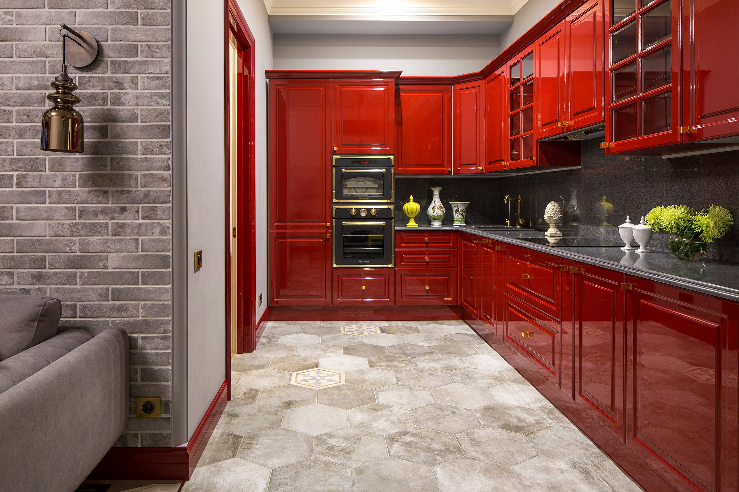 75 Beautiful Kitchen With Red Cabinets And Black Appliances Pictures Ideas May 2021 Houzz