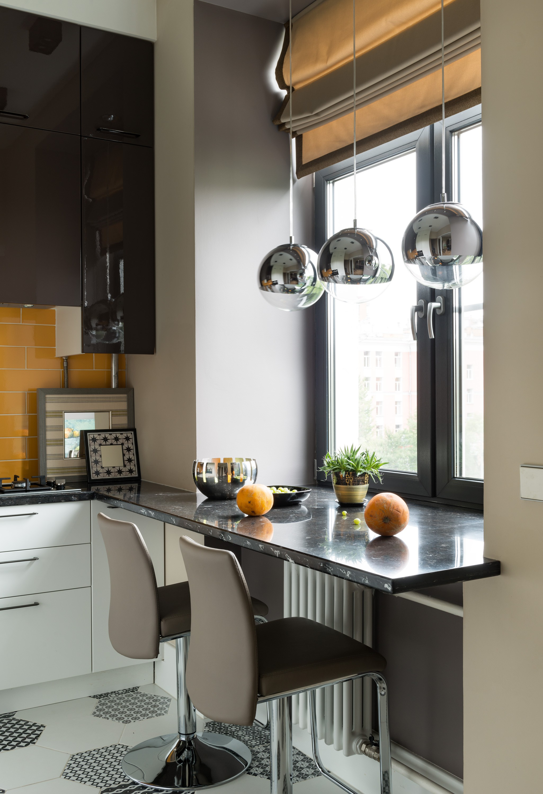 75 Beautiful Small Kitchen Pictures Ideas November 2020 Houzz
