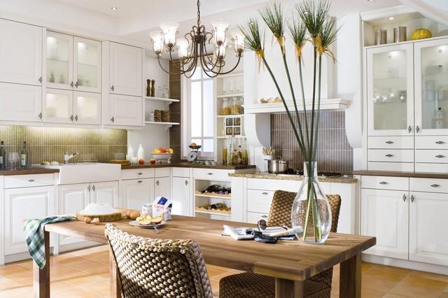 Stockholm beckermann farmhouse kitchen moscow by for Beckerman kitchen cabinets