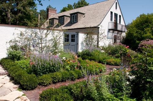 home-garden-ILCA-Excellence-in-Landscape-Silver-Award-Winnetka