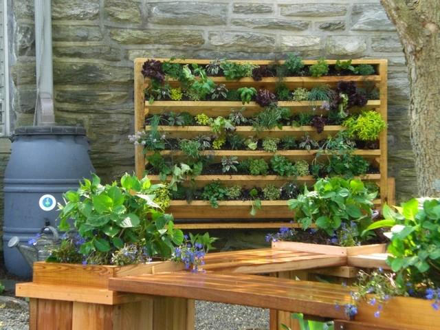 2013 ale the potager garden at stonebridge mansion for Deco jardin potager