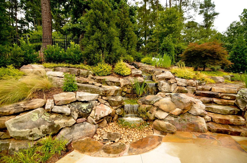 Photo of a traditional water fountain landscape in Atlanta.