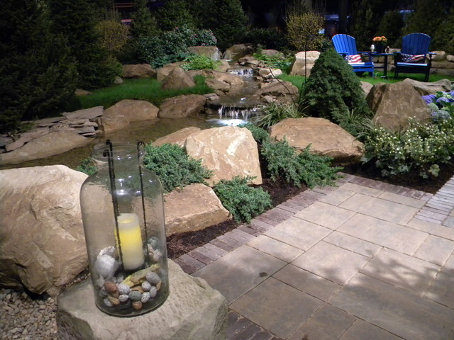 This is an example of a traditional landscaping in Cleveland.
