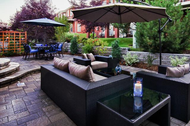 600 sqft extinson of your living room contemporary-landscape