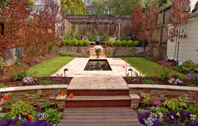 A formal garden traditional-landscape