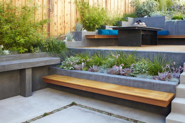 See How 3 Landscape Designs Elegantly Tackle Backyard Slopes
