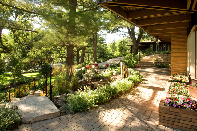 A Warm and Cozy Landscape Design - American Traditional - Garden ...