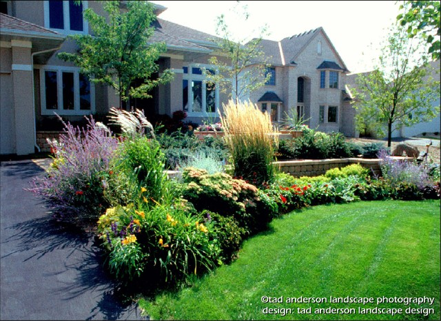 A welcoming entry courtyard soft textures minnesota for Soft landscaping ideas
