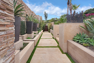 Allview Terrace - http://www.studio6architects.com - Southwestern - Landscape - Orange County - by Jeri Koegel Photography