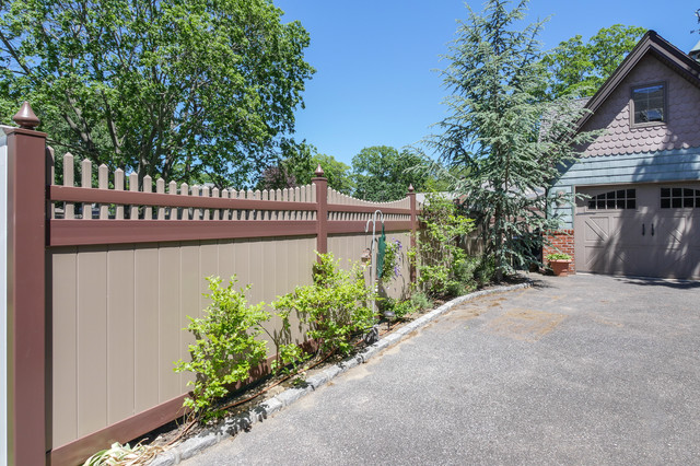 Amazing Brown And Adobe Curved Pvc Vinyl Illusions Picket