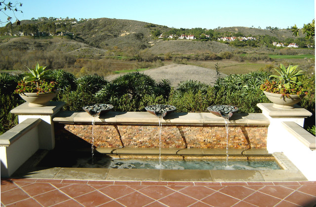 Ams assorted fountains mediterranean garden orange for Houzz landscape architects