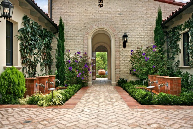 Ams landscape design studios for Courtyard driveway house plans