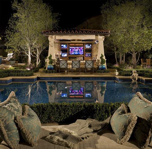Outdoor Kitchen Tiki Bar: AMS Landscape Design Studios