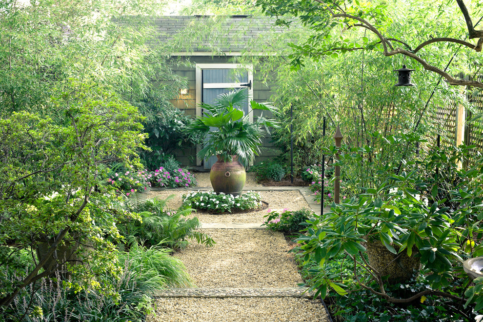 Inspiration for a traditional courtyard gravel formal garden in DC Metro.