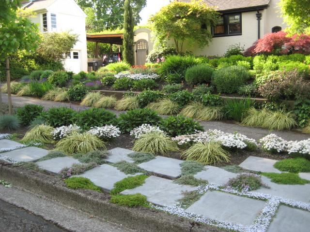 9 Gorgeous Sidewalk Garden Designs