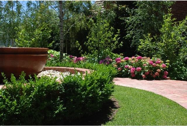 andrew renn design   u0026quot beautiful gardens of melbourne australia u0026quot  - traditional - landscape
