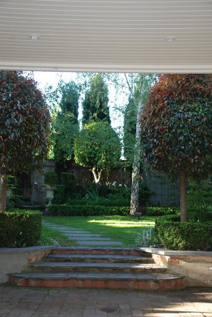 andrew renn design  beautiful gardens of melbourne australia - traditional