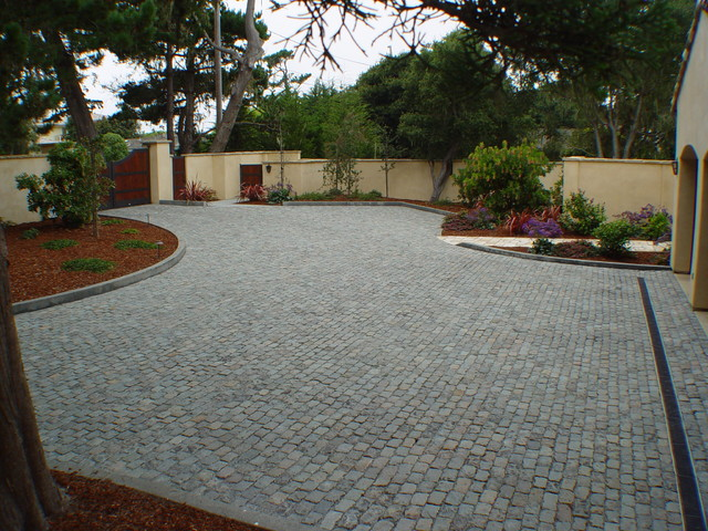 Cobblestone Stones For Driveways : Antique reclaimed granite cobblestone driveway