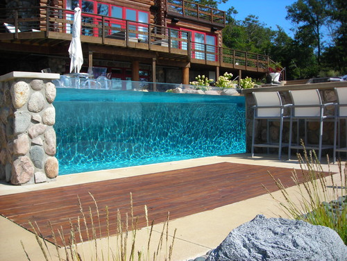 The Cool Factor Of Glass Sided Pools