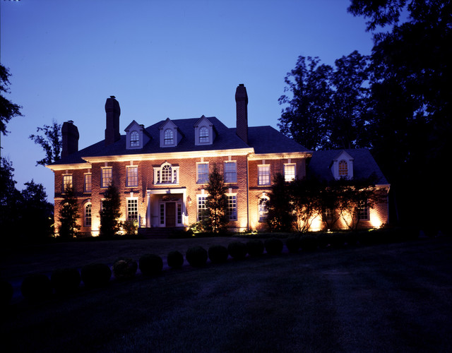 Architectural outdoor facade lighting Nashville TN traditional-landscape