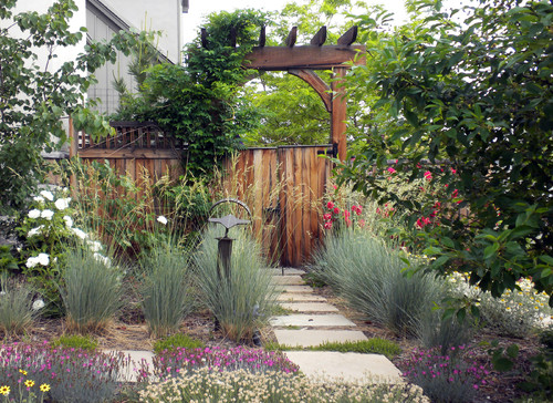 Traditional Landscape by Denver Landscape Architects & Landscape Designers Ivy Street Design