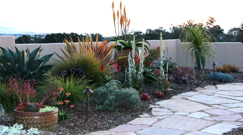 How to Beautify Your Front Yard With Practical Decor