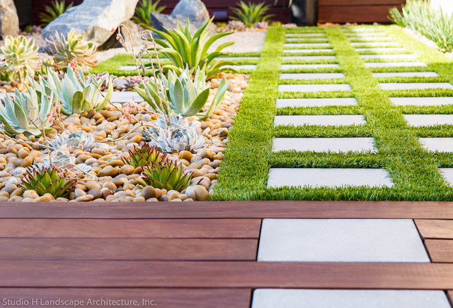 Artificial grass ipe wood deck contemporary for Houzz landscape architects