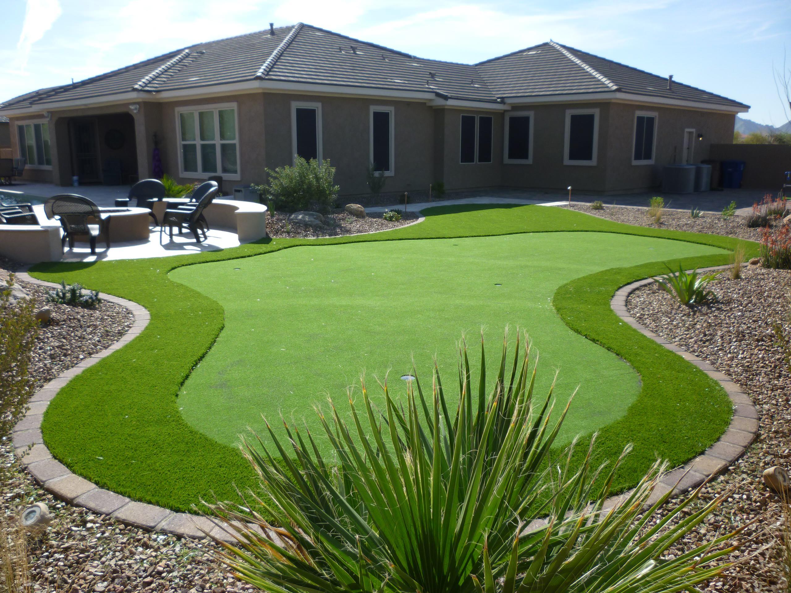 Artificial Turf & Putting Green