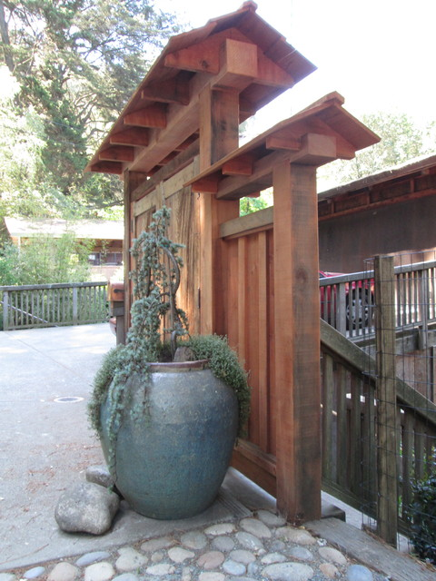 Asian Style Entry Gate And Fence Asian Landscape San