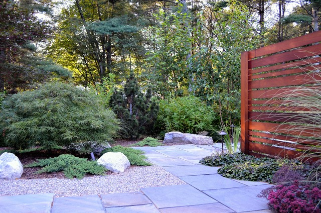 Asian viewing garden privacy screen and bluestone garden walkway