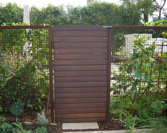 Vertical Wooden Fence Modern Home Design Ideas, Pictures, Remodel and Decor
