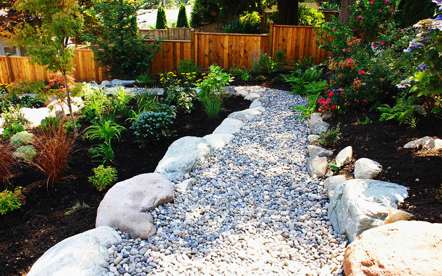 Atlee pathway contemporary landscape other metro for Landscaping rocks vancouver wa