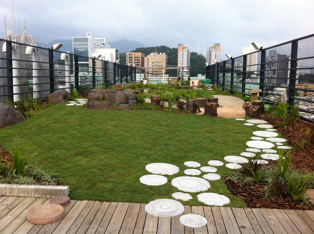Australian international school hong kong eclectic for Rooftop landscape design