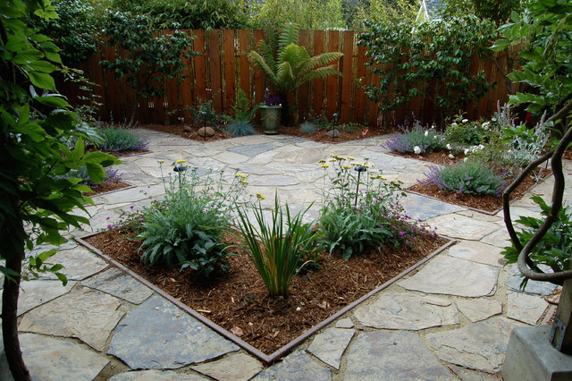 Pics for small gardens landscaping for Small garden landscape