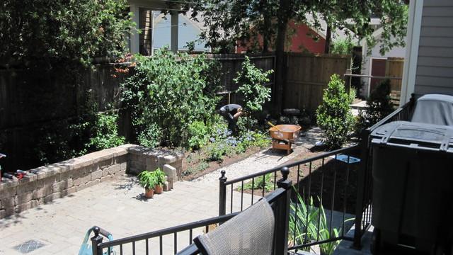 Backyard bird sanctuary - Traditional - Landscape ...