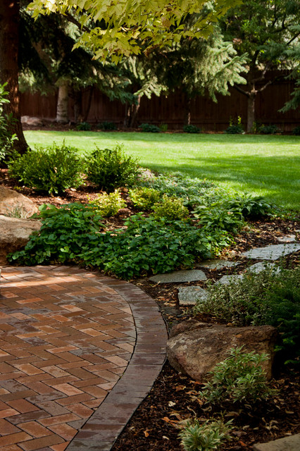 Backyard brick a boise residence for Landscape design boise